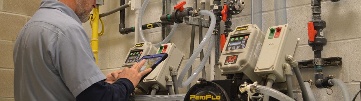 Engineer using VIP Services with a PeriFlo unit